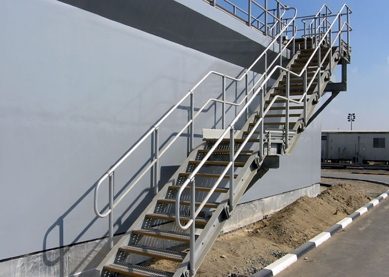 Anodised aluminium handrails, anodised aluminium treads and mild steel galvanised staircase to qatar water treatment aeration tanks